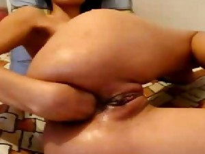 Look at the Colombian xxx movies. Hot colombian girl getting fuck on the cam. Sweet colombian pussy for you.